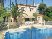gite La Môle Four-Bedroom Holiday home Sainte Maxime with a Fireplace 08