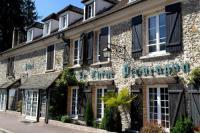 Hôtel Émancé hôtel Le Chene Pendragon