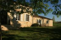 gite Espalais Le Farat Bed - Breakfast