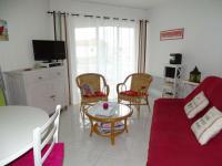 gite Saint Révérend Rental Apartment Dans Résidence Avec Piscine, Grand Type 2 Avec Balcon