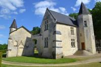 gite Beaumont en Véron Castel Du Plessis Gerbault