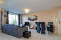 gite Couilly Pont aux Dames Ground Floor Apartment with Garden