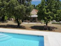 gite Cavaillon Holiday home Murs