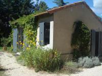 gite Cornillon Confoux Petite maison et jardin en Provence