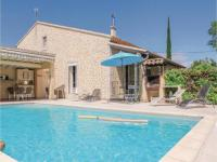 gite Noves Four-Bedroom Holiday Home in l'Isle sur Sorgue