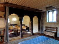 Chambre d'Hôtes Saint Bonnet de Joux Maison Romane 1136