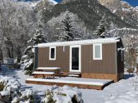 Camping-hotel-de-plein-air-LE-MONTANA Val des Prés