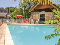 gite Mayrac Five-Bedroom Holiday Home in Padirac