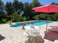 Résidence de Vacances Calvisson Résidence de Vacances gite en rez de jardin dans coin calme avec piscine