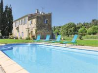gite Grambois Three-Bedroom Holiday Home in Lauris