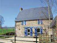 tourisme Saint Denis de Gastines Three-Bedroom Holiday Home in Colombiers du Plessis