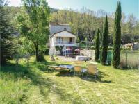 gite Embres et Castelmaure Three-Bedroom Holiday Home in Villen. les Corbieres