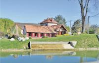 gite Péronne Three-Bedroom Holiday Home in Frise
