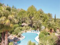 Location de vacances Gabian Location de Vacances Three-Bedroom Holiday Home in Roujan