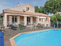 Location de vacances Montblanc Location de Vacances Four-Bedroom Holiday Home in Montblanc