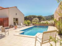 gite Cucugnan Four-Bedroom Holiday Home in Paziols
