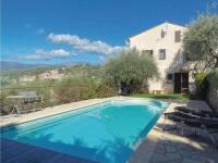 gite Bagnols en Forêt Five-Bedroom Holiday Home in Montauroux