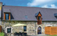 gite Pluduno Four-Bedroom Holiday Home in Saint Alban