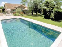 gite Singleyrac Three-Bedroom Holiday Home in St.Aubin de Cadeleche
