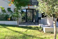 Appart Hotel Lirac Appart Hotel Studio independant sous les pins
