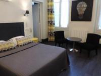Hôtel Fenioux Hotel Restaurant - La Goule Beneze
