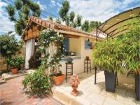 gite Arles Studio Holiday Home in Arles, Alberon