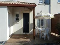 gite Commequiers House 200m bord de mer, jolie maison en résidence bien tenue avec piscine collective