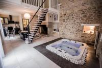 Location de vacances Saint Sulpice des Landes Gite avec Jacuzzi privatif dans la chambre