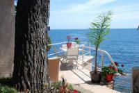 gite La Seyne sur Mer Villa et Bateau pieds dans l eau