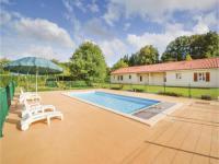 gite Lanouaille Three-Bedroom Holiday Home in Savignac-Les-Eglises