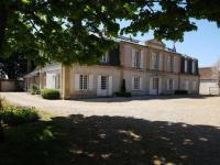 gite Oinville Saint Liphard Chateau du cas rouge