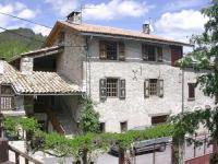 Location de vacances Clumanc Location de Vacances Holiday home chateau garnier