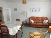 gite Saint Vincent sur Jard House Rue j. vedrines- agreable pavillon avec jardin clos