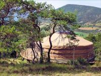 Terrain de Camping Orpierre Source d'Eveil - Yourte et Kota