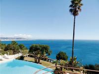 gite Cannes Four-Bedroom Holiday Home in Theoule