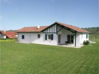 gite La Bastide Clairence Four-Bedroom Holiday Home in Aicirits Camou Suhast