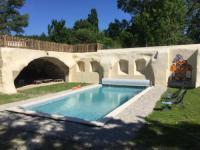 Gîte Aubenasson Gite et baignade en bord de rivière : Les pieds dans l'eau