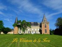 Chambre d'Hôtes Sugères chateau de la forie