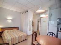 Résidence de Vacances Saint Julien Résidence de Vacances Apartment Le relais de manon, 16 ave alphonse daudet 12