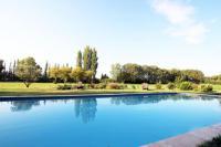 gite Fourques Villa Melodie St Remy 6HA Piscine