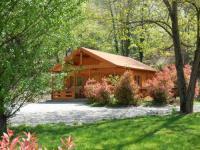 Gîte Saint Lager Bressac Gîte Le chalet bois de Célio