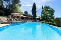 gite Antibes Chateauneuf-Grasse Villa Sleeps 10 Pool