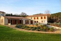 Location de vacances Quarante Location de Vacances Montouliers Villa Sleeps 12 Pool