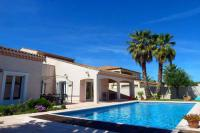 gite Agde Marseillan Villa Sleeps 10 Pool