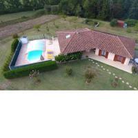 gite Bazian Maison de vacances avec PISCINE dans le Gers