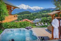 gite Chamonix Mont Blanc Stylish chalet for 8 - Mont Blanc views, hot tub, terrace - OVO Network