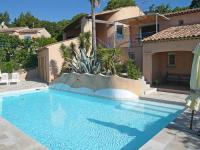 gite Fréjus Guerre Vieille Villa Sleeps 10 Pool Air Con WiFi