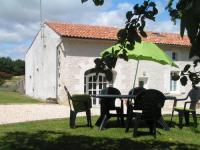 Gîte Saint Dizant du Gua Gîte la maison d'Amélie