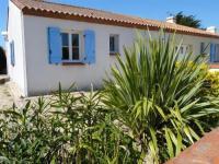 gite Saint Jean de Monts House 300 m env. mer, proximité plage et point surf, maison récente t3 avec jardin clos / 5 personnes