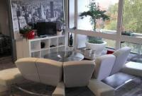 Appart Hotel Metz Appart Hotel Modern et Cosy : 52 m² - Balcon et parking privé - METZ